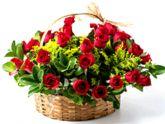 cesta com 24 rosas