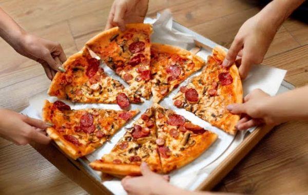 COMBO - 02 PIZZA G FRANGO c CATUP