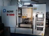Centro de Usinagem Vertical ROMI D-600 ano 2011 Usada
