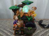 Fonte Decorativa Crianças C/bomba De Água, Led E Cristal 110 Ou 220 V