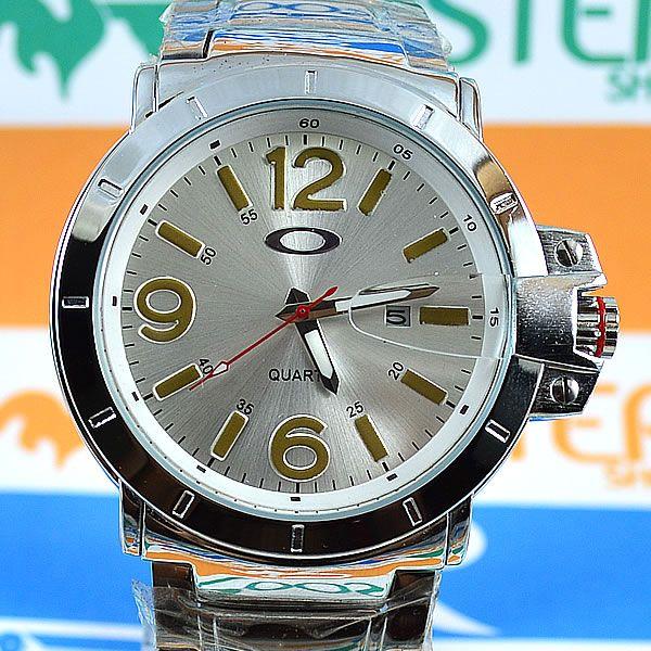 1755d24b925 Relógio Oakley Iron Man Prata Fundo Prata Pulseira Aço Masculino À PROVA  D´ÁGUA