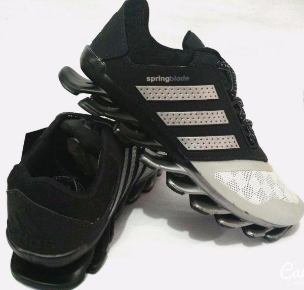 1b49f2e60e2 Tênis Adidas Springblade Preto c  Branco - Outlet Ser Chic