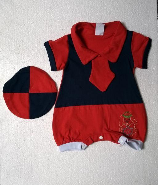 Macacão de bebê curto com bonezinho - Gravatinha - tam. P