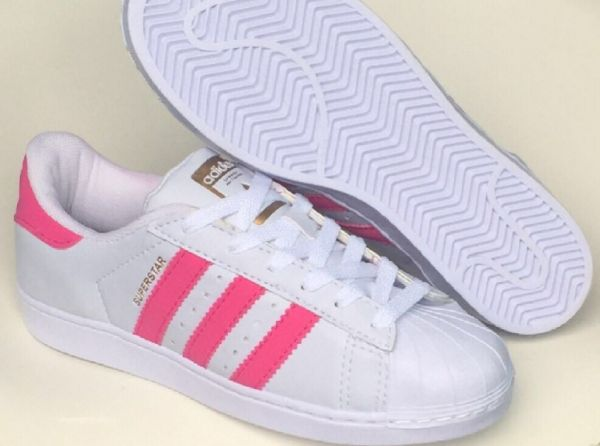 Tênis Adidas Superstar Branco c  Rosa - Outlet Ser Chic 4a59d621b38