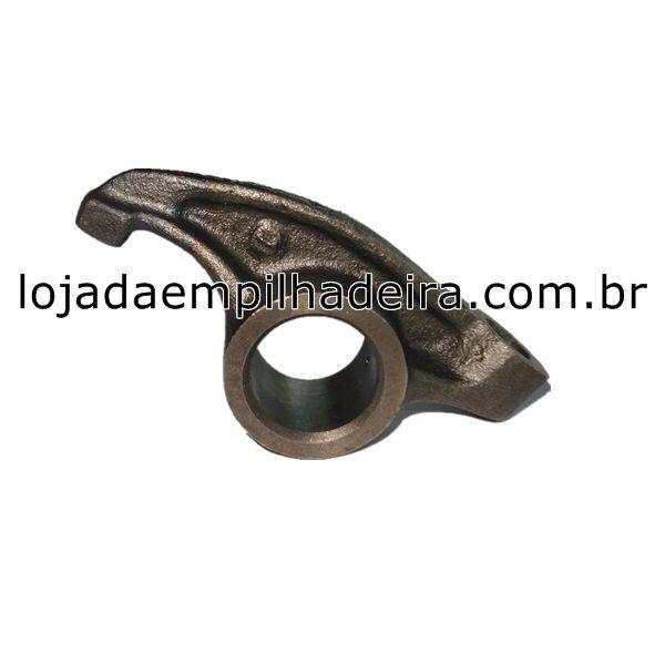 BALANCIM DO CABEÇOOTE NISSAN K25 (LADO DIREITO) 13258-FY500