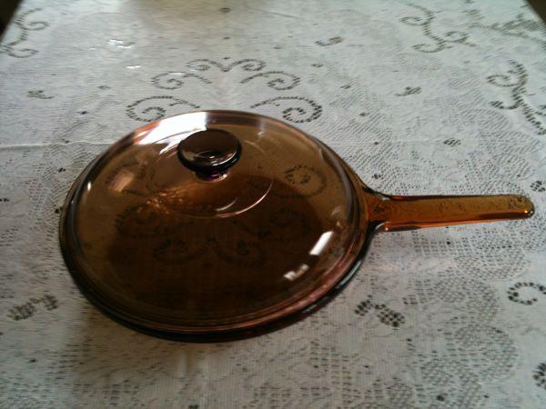 Frigideira de 26 cm com tampa