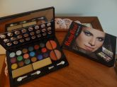 Kit De Maquiagem Glamour Ruby Rose - Hb-9204