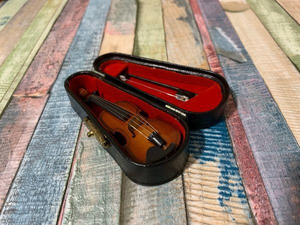 Kit Violino Miniatura Completo + Arco + Suporte + Case -10cm