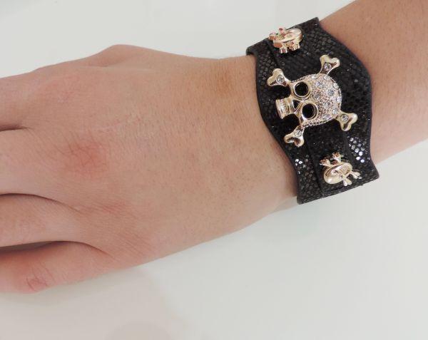 bracelete skulls movéis craquelado