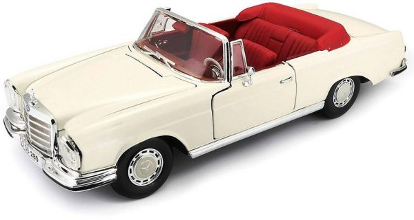 1967 MERCEDES-BENZ 280SE CABRIOLET 1/18 - Special Edition - Maisto