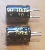 ELETROLÍTICO 100X10 105ºC 5X8mm LOWESR LQ 100ufx10V PRÉ-CORTADO