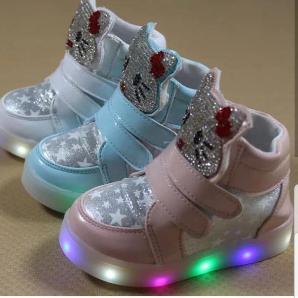 2fe0faa276 Tênis Hello Kitty Brilhante - Mamãe Bebê Importados