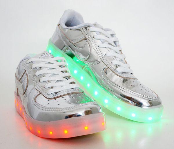 428afef40bd Tênis de Led Nike Prata cod  21557 - 1001 Servicos de Vendas