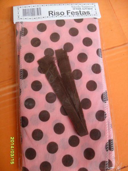 sacola surpresa em tnt poá rosa marrom r $ 2 40 cor rosa marrom