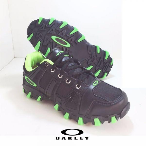 47eb4b4a49856 Tênis Oakley HardShell Preto c  Verde - Outlet Ser Chic