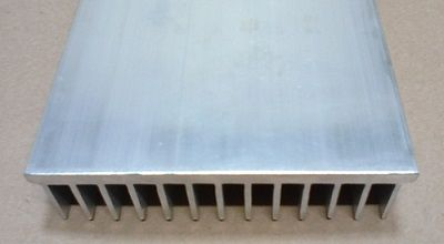 Dissipador de Alumínio 104 x 25 x 108 mm (largura / aleta / comprimento)