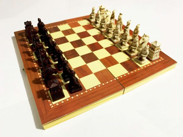 Jogo De Xadrez Oriental Dinastia Chinesa Tabuleiro 30cm