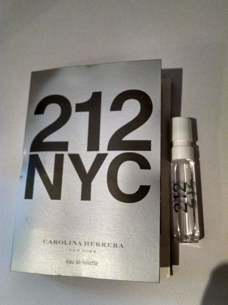 Amostra Perfume  212 NYC  feminino 1,5 ml Carolina Herrera