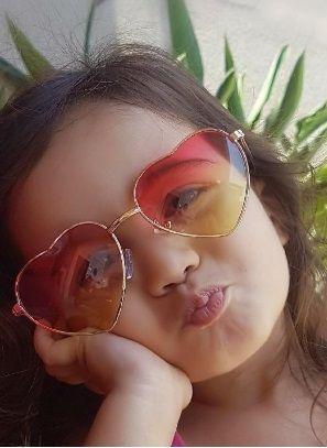 Óculos de Sol Infantil de Coração - Amora Produtos Importados 400cfa6f7a