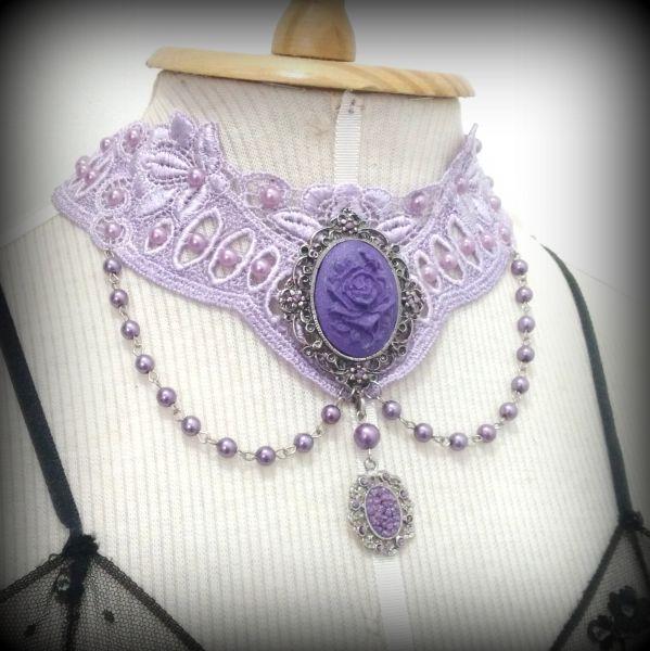 Gargantilha Flor Violeta