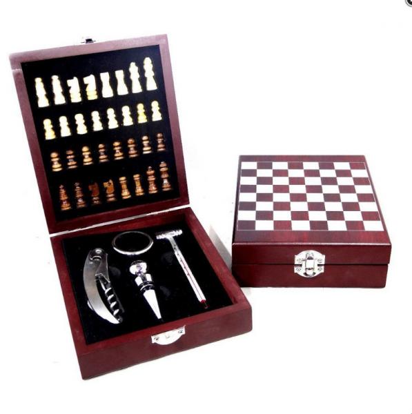Jogo de Xadrez com Kit Vinho