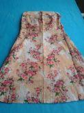 Vestido sem alça estampado com rosas