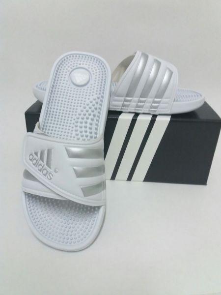 f2eedd617 Chinelo Adidas Adissage Branco - Outlet Ser Chic