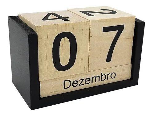 Calendário Permanente 3D de Madeira Decorativo - 13cm