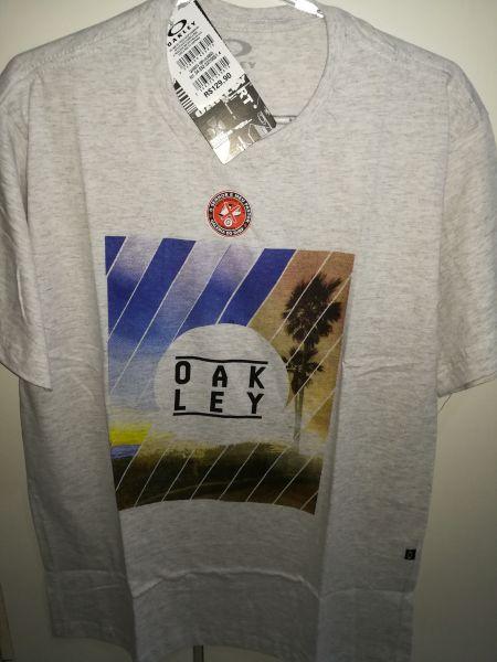 4636a6a77b8d1 Camisa OAKLEY - Moda Surf Loja Virtual