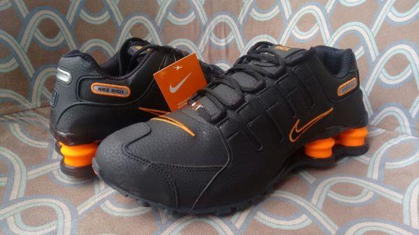 6761ac8916b ... Tênis Nike Shox Junior Nz Preto c Laranja ...