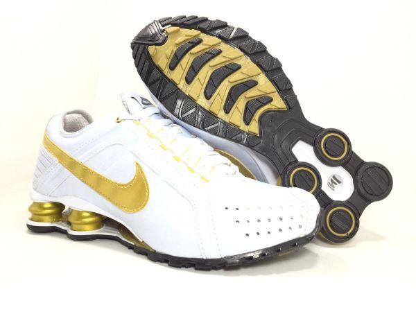 5929e0d6f26 Tênis Nike Shox Junior Branco c  Dourado - Outlet Ser Chic