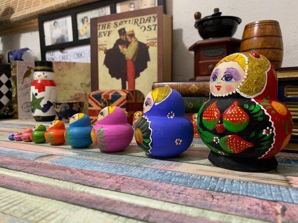 Matrioska De Madeira - 10 Bonecas Uma Dentro Da Outra