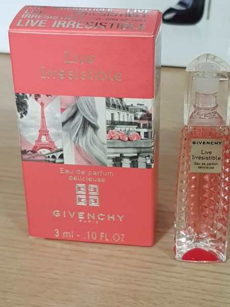 Miniatura Live Irresistible edp  Delicieuse 3ml Givenchy