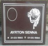 Placa em Granito,30x30 com rosto de jesus,com uma foto 6x8