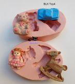 Kit brinquedos boneca/ carro/ urso e cavalinho