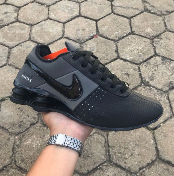 ab4eab54c24 Tênis Nike Shox Deliver Cinza c  Preto - Outlet Ser Chic
