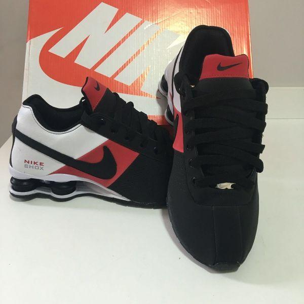 premium selection be928 ac5fe Tênis Nike Shox Deliver Preto C  Vermelho
