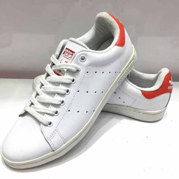 5db60175866 Tênis Adidas Stan Smith Branco c  Vermelho Outlet Ser Ser Ser Chic 686d94