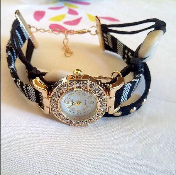 f00681f2de2 Relógio Feminino Barato Com Pedras E Pingente - Loja de ...