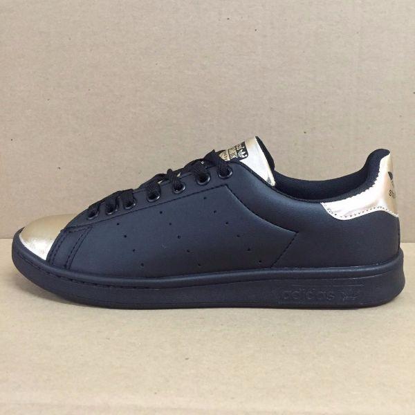 a9f5585f770 Tênis Adidas Stan Smith Preto c  Dourado - Outlet Ser Chic