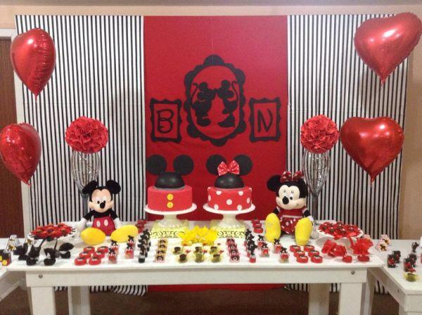 Festa do casal Mickey e Minnie