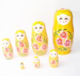 Matrioska Composta Por 7 Bonecas - Uma Dentro Da Outra 18cm