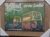 Quadro Leyland Serves London Retrô C/ Moldura Em Madeira