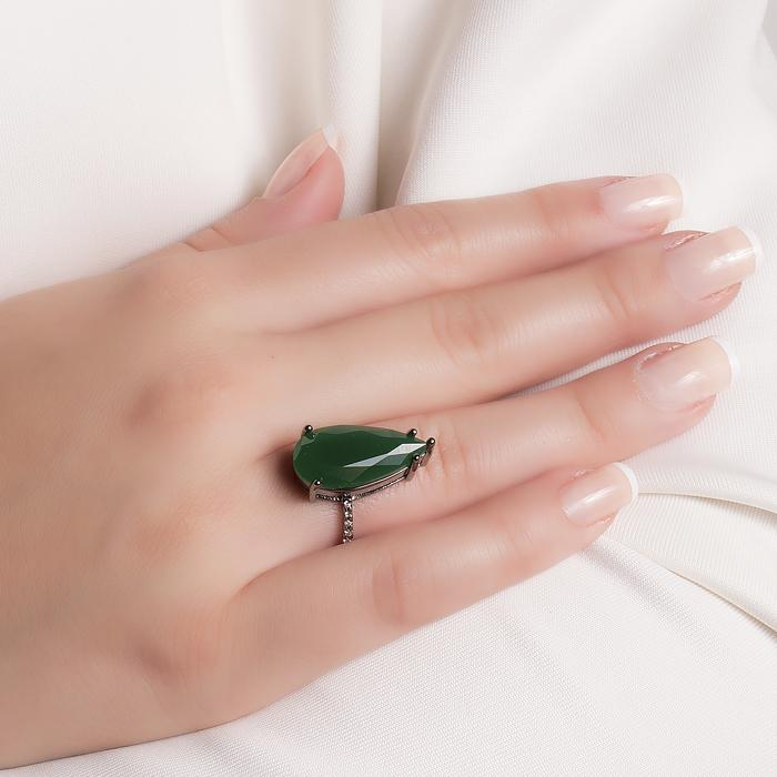 Anel Folheado Ródio Negro com Cristal Leitoso Esmeralda e Micro Zircônia Cristal
