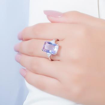 Anel Folheado Ródio com Cristal Retangular Violet Coleção CANDY COLORS