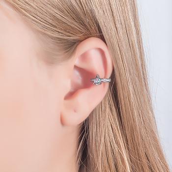 Piercing Fake Folheado Ródio Negro com Cristal Gota Aquamarine e Micro Zircônia Cristal