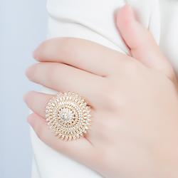 Anel Oval Folheado Ouro 18K Cravejado com Micro Zircônia Cristal