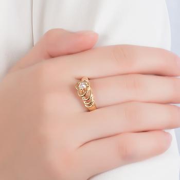 Anel Folheado Ouro 18K Detalhado com Zircônia Coração Cristal