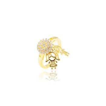 Anel Redondo Folheado Ouro 18K com Pingente Casal de Menino e Menina e Micro Zircônia Cristal