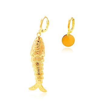 Brinco Argola Folheado Ouro 18K Assimétrio com Peixe Articulado e Medalha